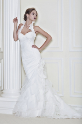 Pattis: Gaelan wedding dress