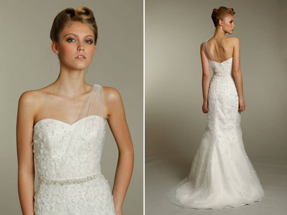 Chic Ivory Mermaid Wedding Dress With One Shoulder Created
