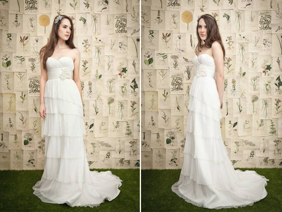 White Strapless Column Wedding Dress With Ruffle-tiered