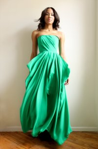 emerald green bridesmaid dress | OneWed.com