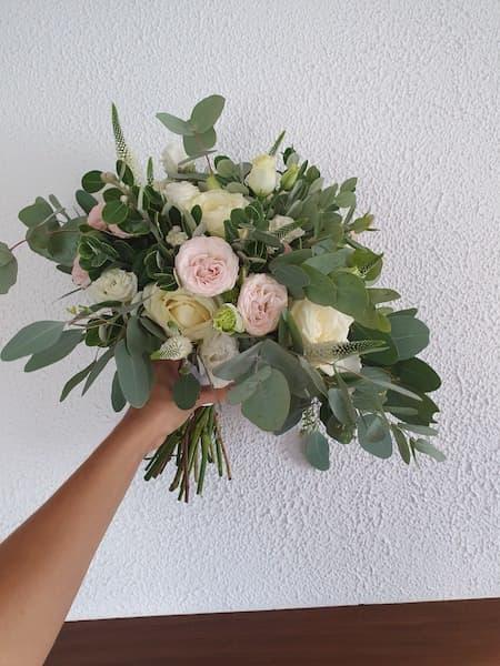 bukiet ślubny róże wiązanka luźna