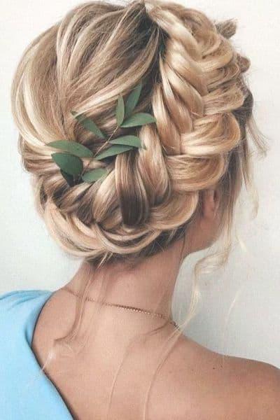 fryzury na wesele korona warkocz trendy