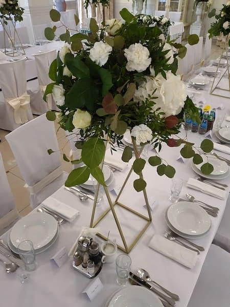 kwiaty na wesele dekoracje stołu weselnego