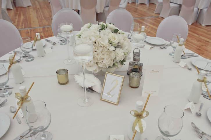 kwiaty na wesele dekoracje stołów weselnych