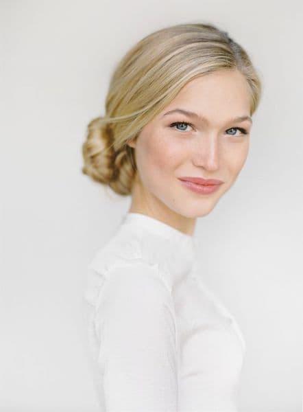 makijaż naturalny blondynka jasna cera