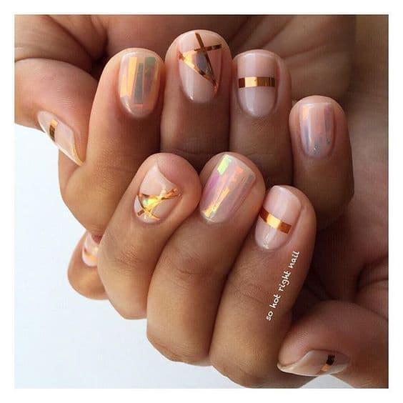 manicure wesele geometryczne wzory złoto nudę