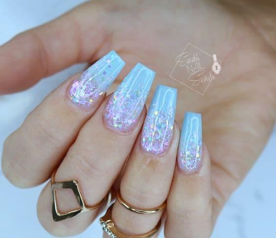 manicure opal niebieskie róż kwadratowe
