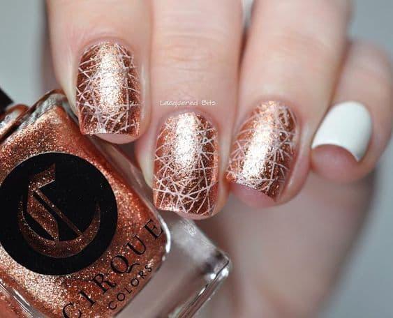 manicure wesele lakier pękający rose gold
