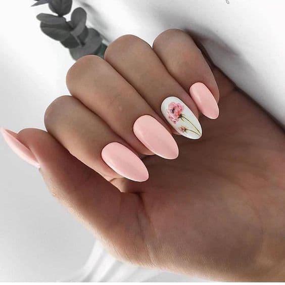 paznokcie panna młoda kwiaty róż pastelowe