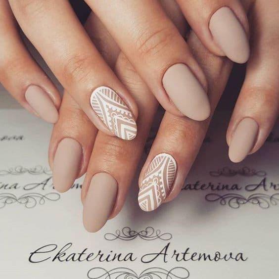 paznokcie ślubne beż wzorki