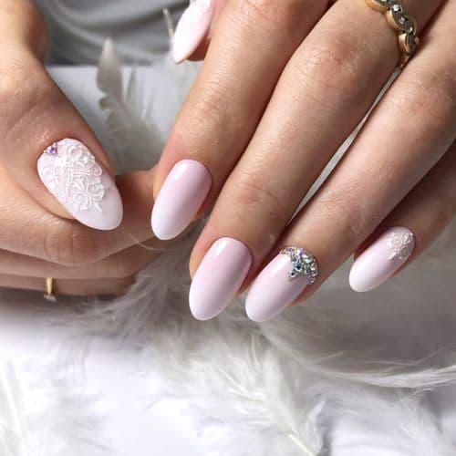 manicure ślubny róż perełki wzory