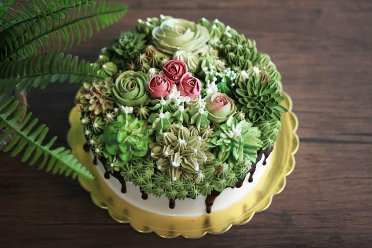 tort drip cake kwiaty zielony