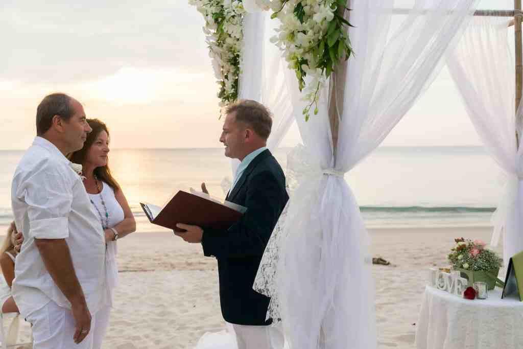 Beach marriage celebrant phuket (18)