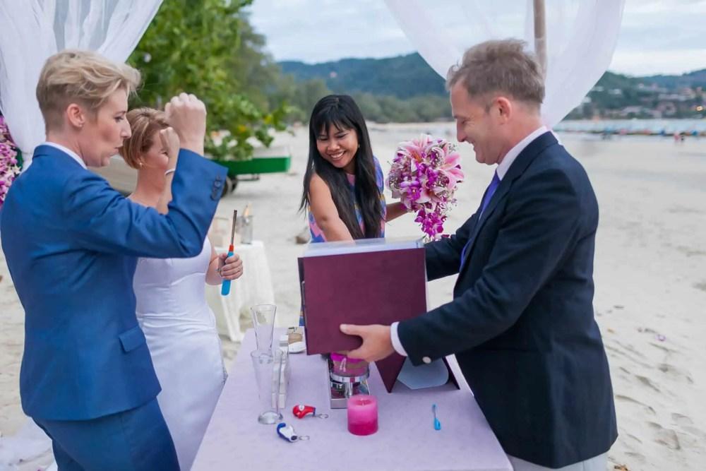 Beach wedding celebrant (16)
