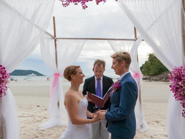 Beach wedding celebrant (3)