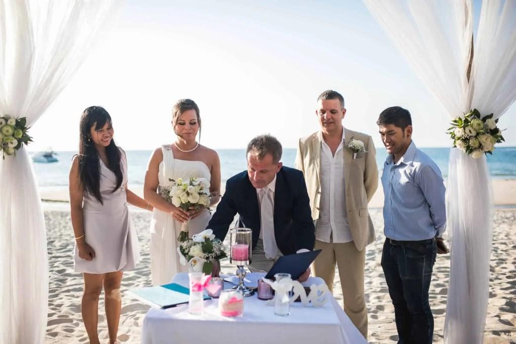 Phuket beach wedding celebrant (25)