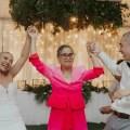 0 Py-wedding-head-shave-surprise-mother-bride-cancer-battle-08 Jpg