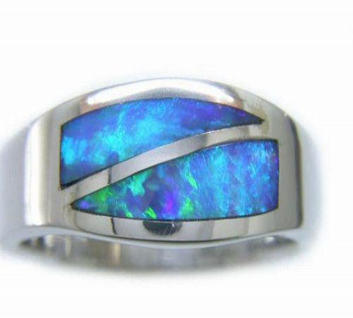 18kt white gold opal ring