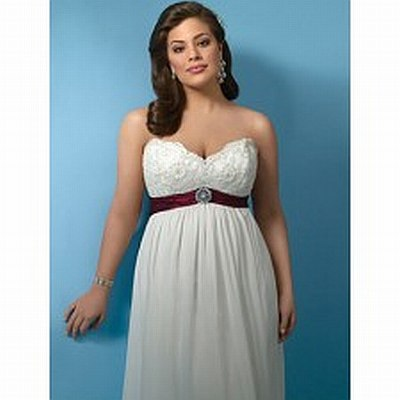8.	Chiffon dress with sweetheart neckline