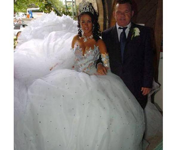 Largest Wedding Dress