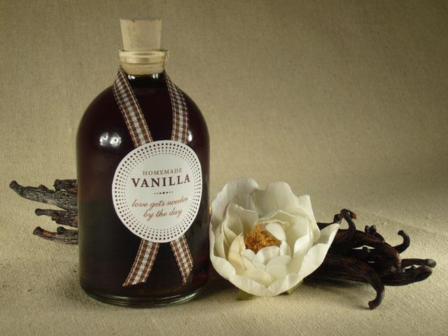 DIY homemade vanilla favors