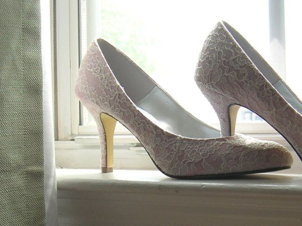 It Is Inspired From Princess Kate Middleton Wedding Shoe That Was Designed By Alexander McQueen The Has Been Wrapped