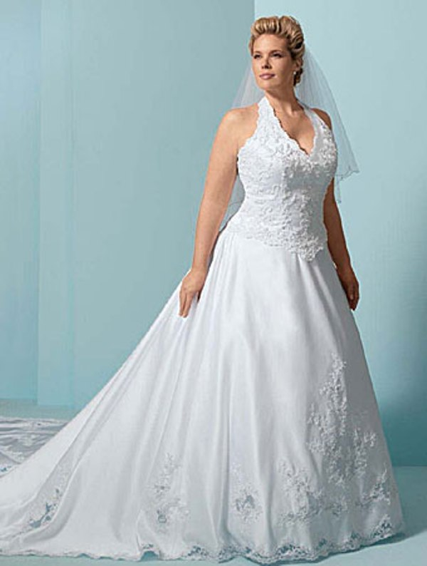 Ten best plus size wedding gowns - Wedding Clan