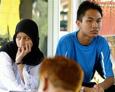 malaysian couple