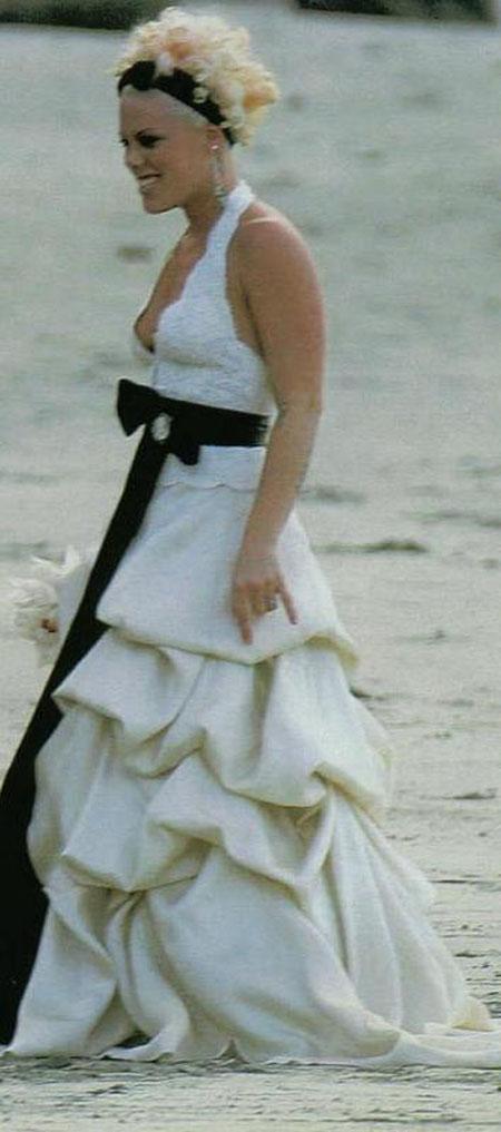 My Wedding Dress is the Best! - Wedding Clan