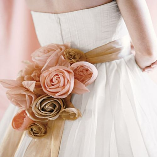 Sash with fabric roses in pink
