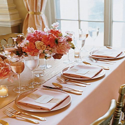 Tablesetting In Pink And Gold