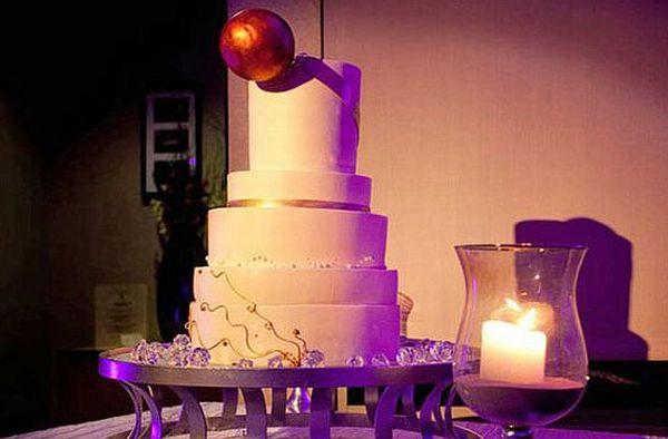 Wedding ring cake