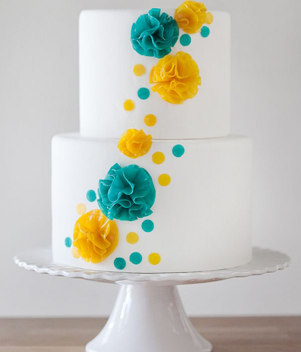 Making Your Own Wedding Flowers: DIY : How To Make Your Own Wedding Cake Flowers