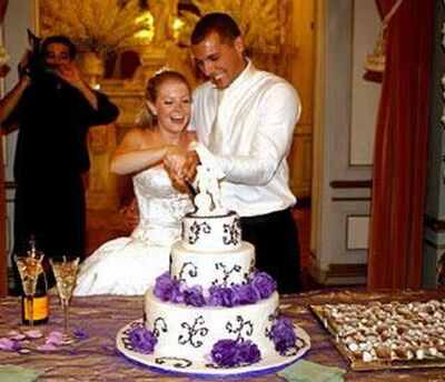 Snapshots of celebrity wedding cakes