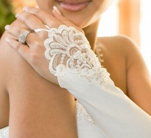 fingerless_bridal_gloves_1