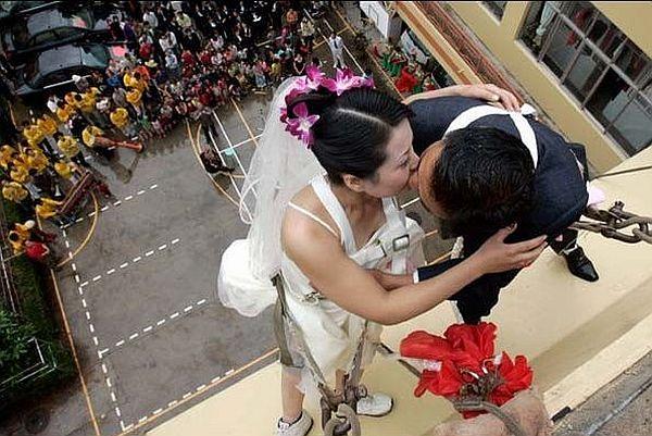 Rapelling Wedding