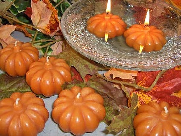 pumpkin shaped candles