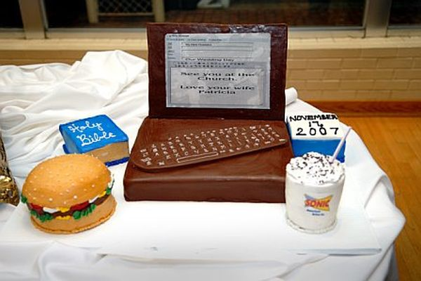Technologist groom cake