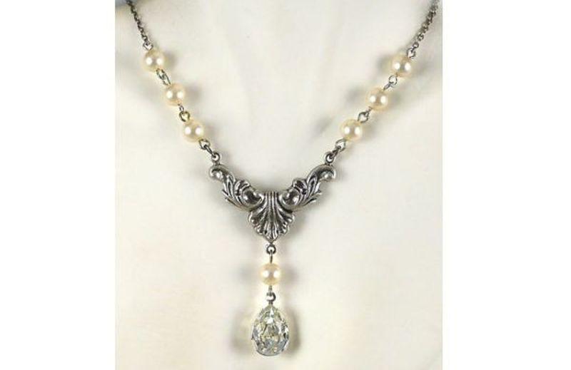 Victorian style vintage necklace