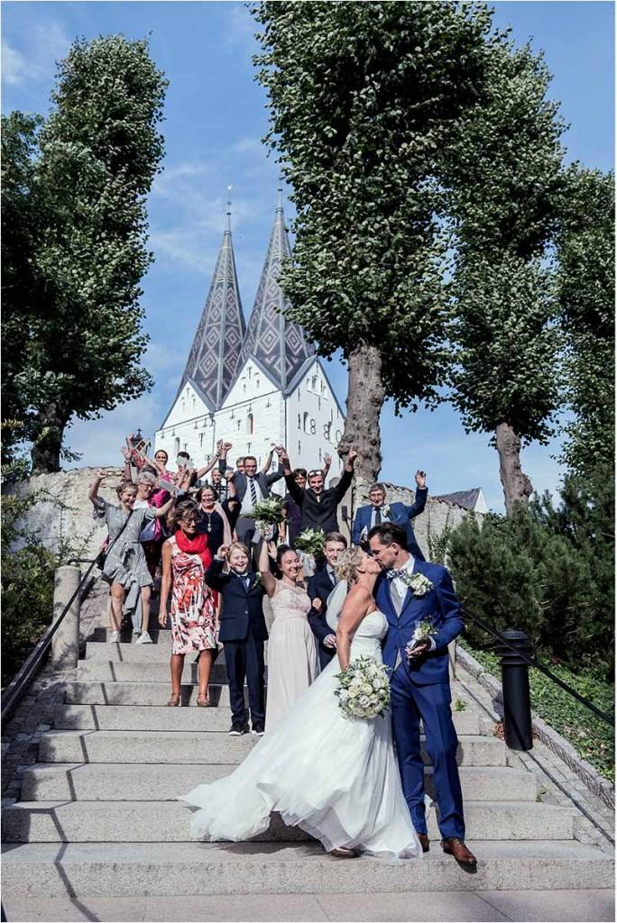 bryllupsfotograf til kirken