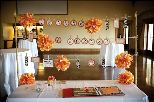 Cute-guest-book-table-at-zenith-vineyard