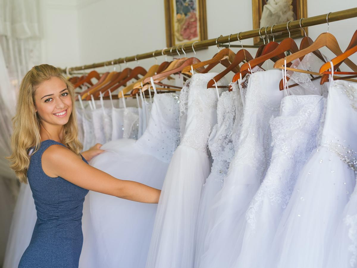 What Does The Average Wedding Dress Cost?