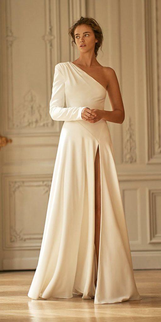 #2020wedding #2020weddingdresses #weddingtrend #weddingdresses #brides #bridalgown #modernwedding #lizmartinez