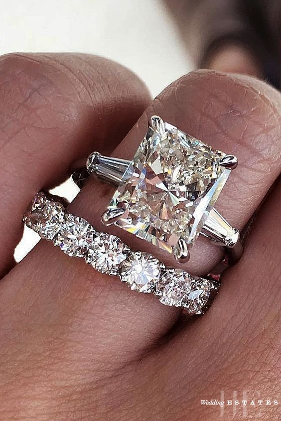 Do You Wear Your Wedding Band On Top Or Bottom : wedding, bottom, Wedding, Engagement, Estates
