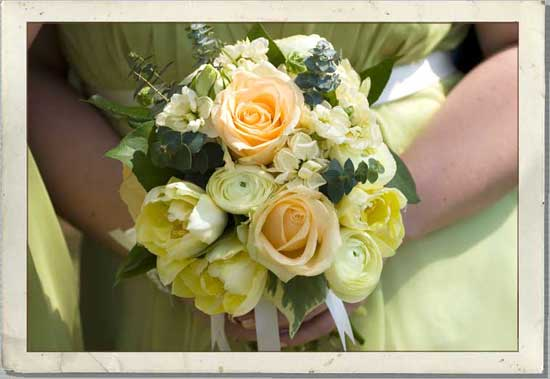 May Wedding Flowers For A Country Wedding Theme