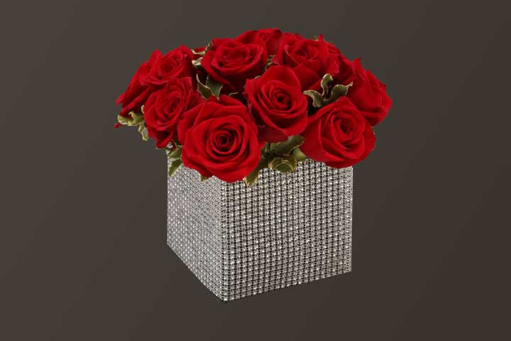 PICTURE OF THE ROSE CUBE CENTER PIECE
