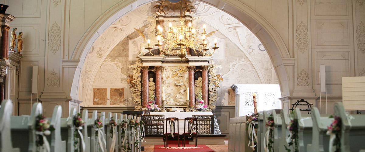 45 Breathtaking Church Wedding Decorations