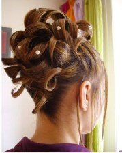 big wedding updo with pearl hair
