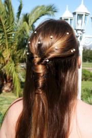simple and pretty updo bridesmaid