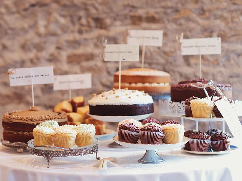 25 Autumn Wedding Food Ideas That Won't Blow Your Budget